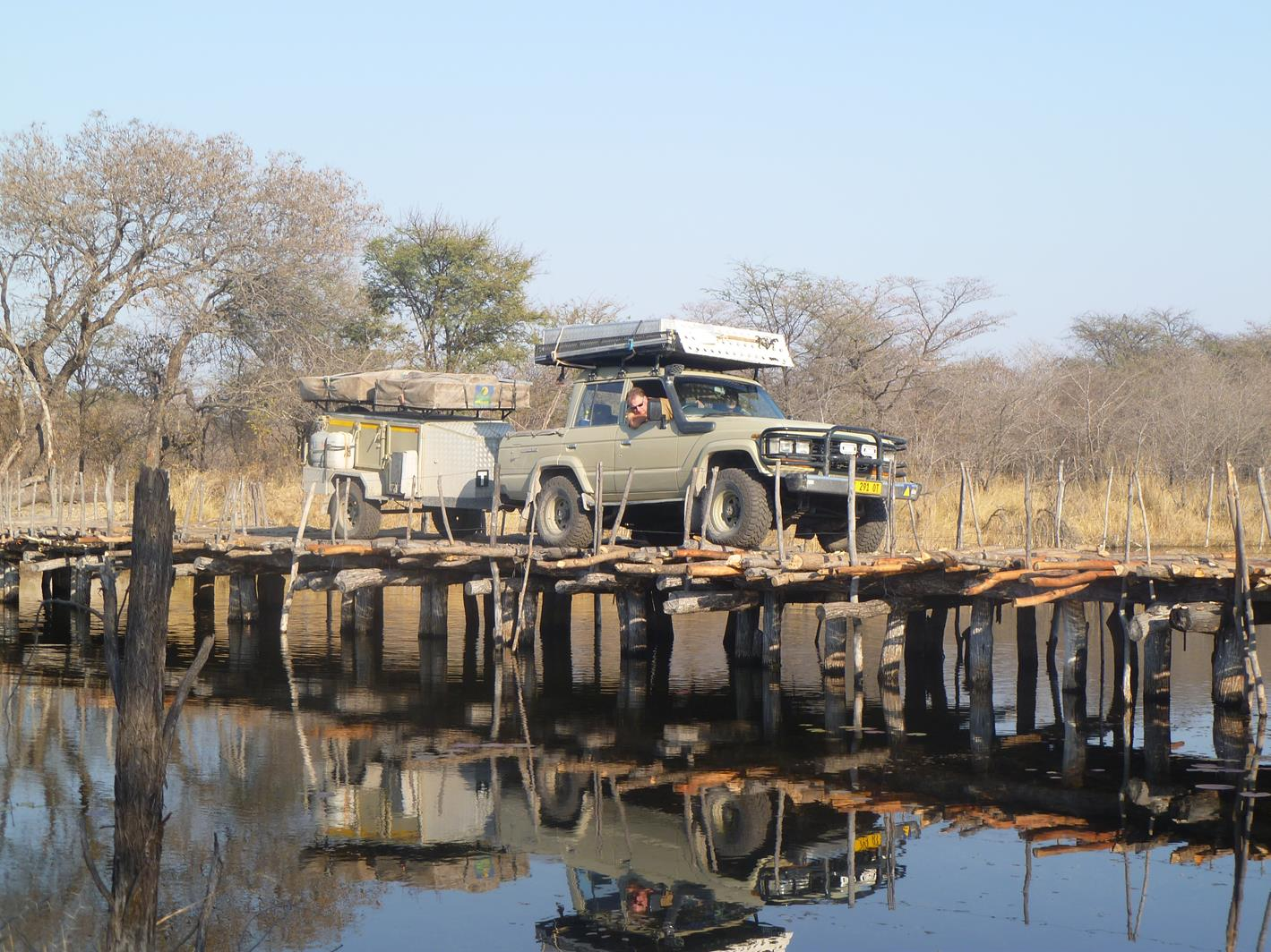 Behelfsbrücke im Caprivi - Sambesi Region - Namibia