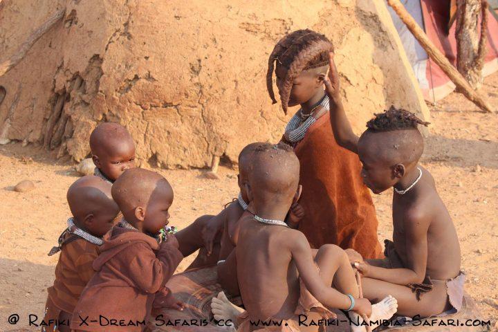 Himbakinder im Kaokoveld - Namibia