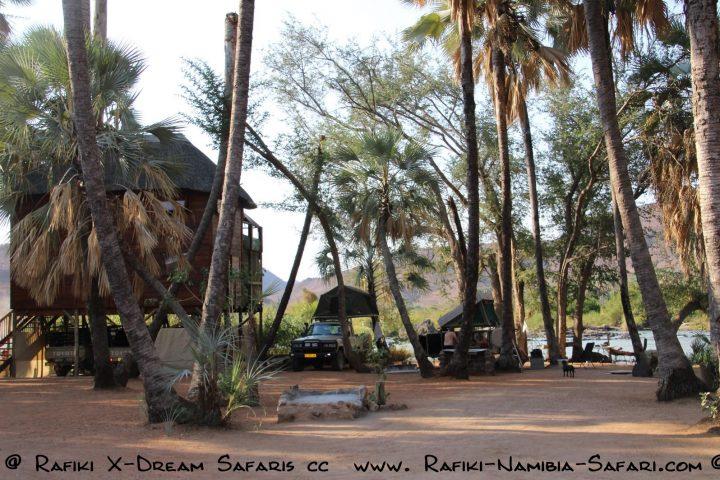 Camp an den Epupa Wasserfällen - Namibia