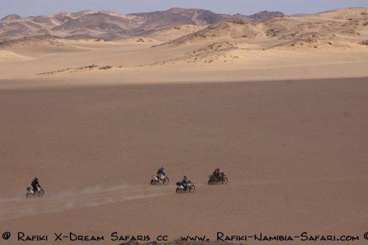 Motorrad Safari im Hoanib Flussbett