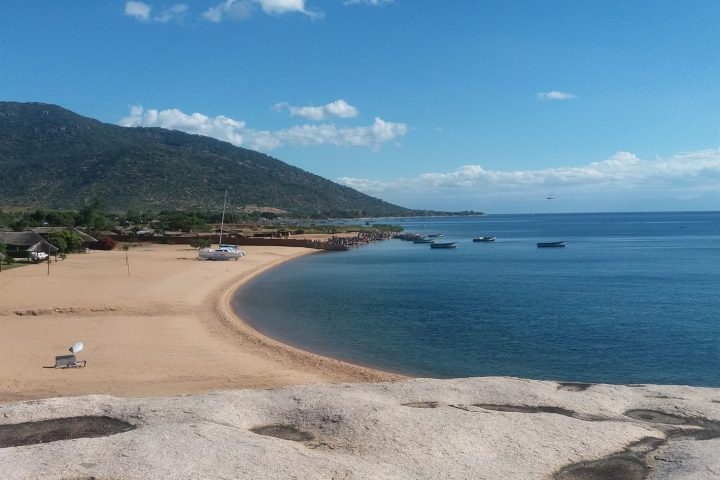 traumhafter Strand am Malawisee bei Chembe