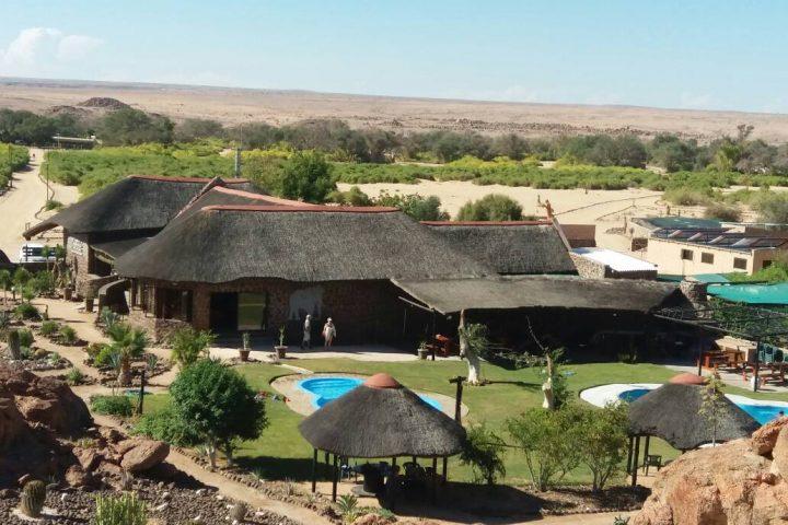 Brandberg - Blick auf die White Lady Lodge
