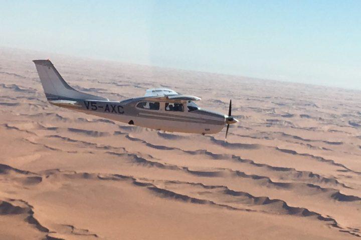Flug über die Duenenlandschaft